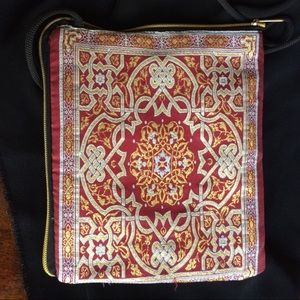 MINI SHOULDER BAG QUILTED LINING GREAT FOR KINDLE
